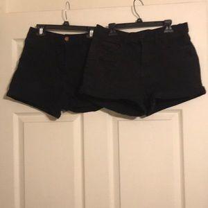 2 pairs of juniors shorts size 9